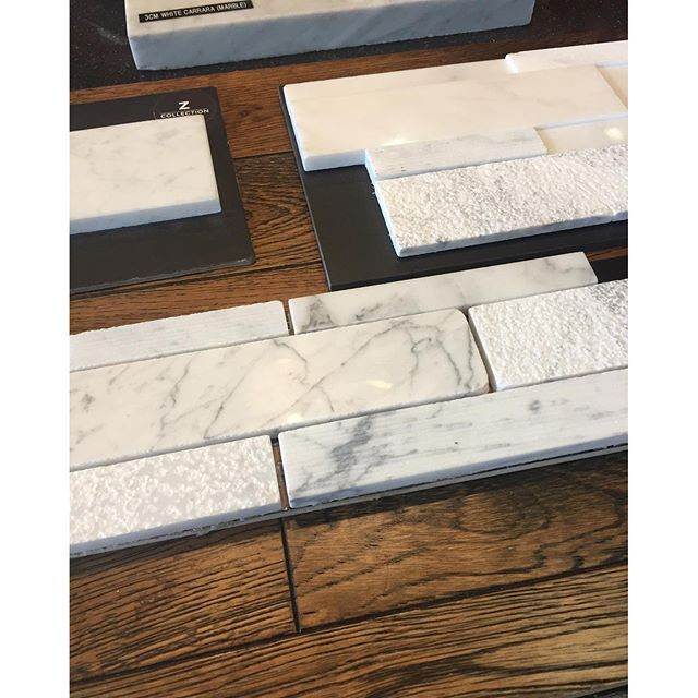 At last we've chosen the floors and tile ️! The floors are a stained traditional looking oak and the stone for fireplace, baths and counters is polished white Carrara marble. So glad that's over!