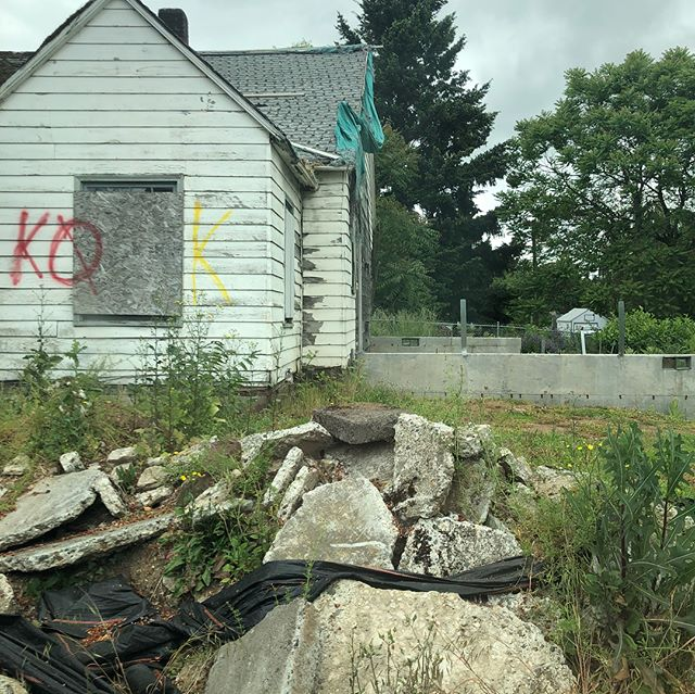 """Out scoping out some new props. Two tear downs, one has zoning for a duplex and one """"2E2L updater"""" - not even listed, cash offer, quick and easy $$. #houseflipping #demo #2embarrassing2list #2E2L #flipitpnw"""