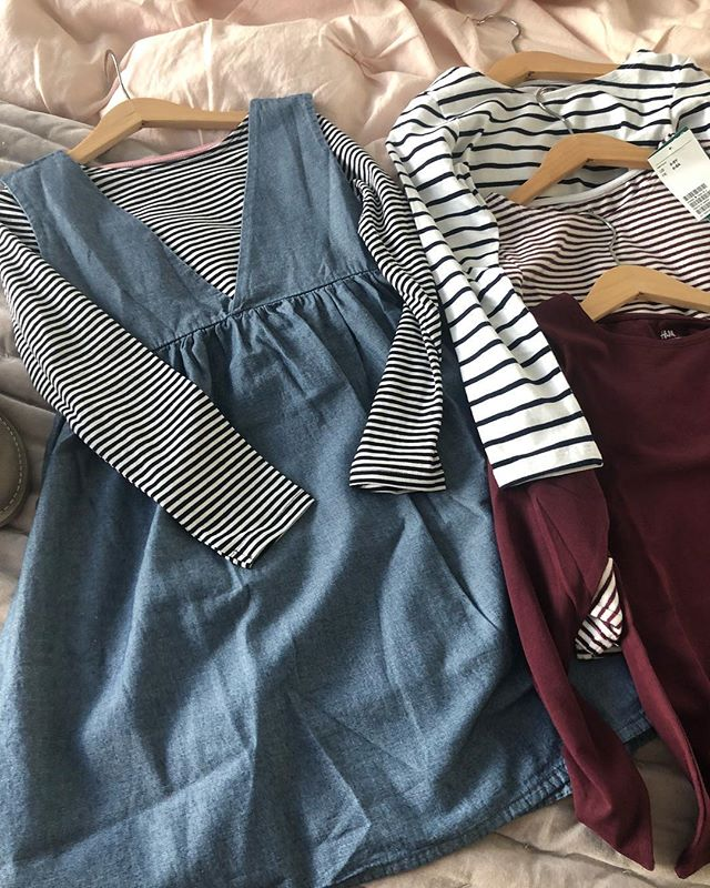 This chambray jumper is the best. It's from a brand called emile et ida, they make beautiful clothes. Seriously beautiful. I bought a bunch on H&M basic tops (these are the best shirts ever!!) to mix and match with it so it's like a new outfit every time!